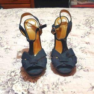 Denim blub platform wooden heels.